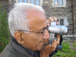 કેમેરાધારી, 78 વરસના યુવાન